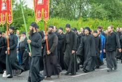 easter_procession_ukraine_pochaev_sr_1074