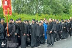 easter_procession_ukraine_pochaev_sr_1075