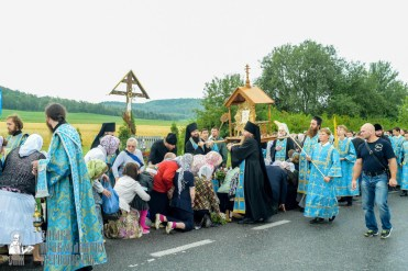 easter_procession_ukraine_pochaev_sr_1094