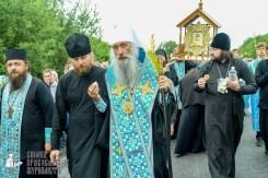 easter_procession_ukraine_pochaev_sr_1135