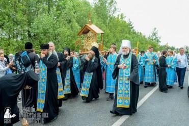 easter_procession_ukraine_pochaev_sr_1139