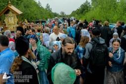 easter_procession_ukraine_pochaev_sr_1151