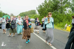 easter_procession_ukraine_pochaev_sr_1174