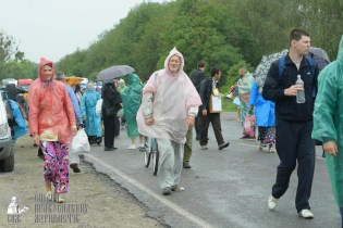 easter_procession_ukraine_pochaev_sr_1210