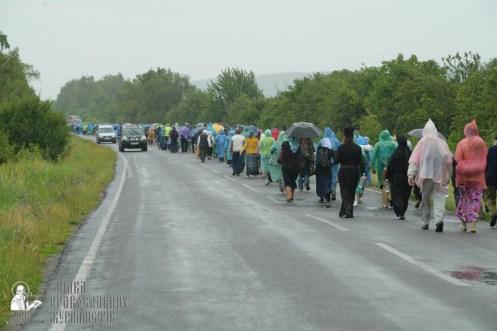 easter_procession_ukraine_pochaev_sr_1212