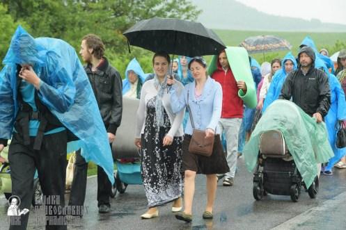 easter_procession_ukraine_pochaev_sr_1224