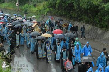 easter_procession_ukraine_pochaev_sr_1337