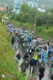 easter_procession_ukraine_pochaev_sr_1360