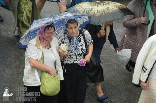 easter_procession_ukraine_pochaev_sr_1364