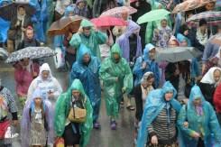 easter_procession_ukraine_pochaev_sr_1371