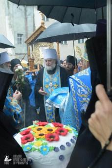 easter_procession_ukraine_pochaev_sr_1392