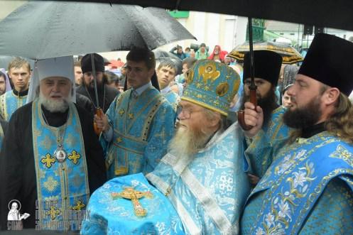 easter_procession_ukraine_pochaev_sr_1397
