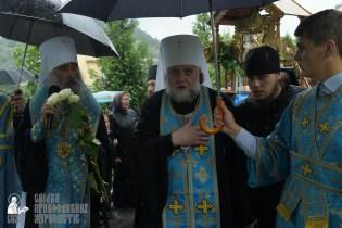 easter_procession_ukraine_pochaev_sr_1410