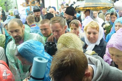 easter_procession_ukraine_pochaev_sr_1437