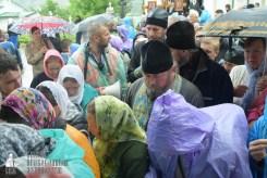easter_procession_ukraine_pochaev_sr_1440