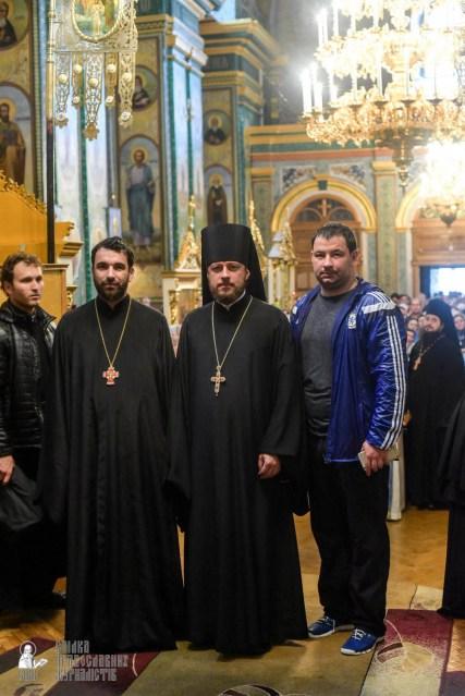 easter_procession_ukraine_pochaev_sr_1454