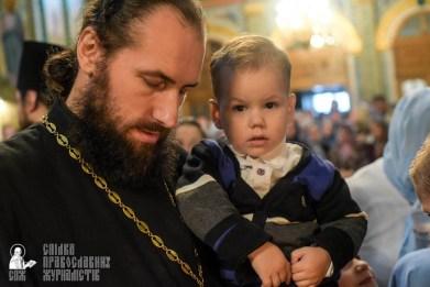 easter_procession_ukraine_pochaev_sr_1458