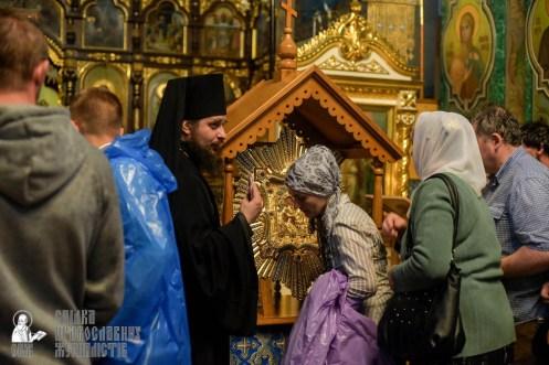 easter_procession_ukraine_pochaev_sr_1474