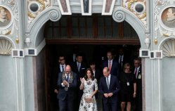 Prince William, the Duke of Cambridge and Catherine, The Duchess of Cambridge greet people in the central market square in Gdansk, Poland July 18, 2017. REUTERS/Bogdan Popescu TPX IMAGES OF THE DAY