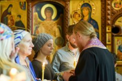 orthodoxy_chrism_iona_0230