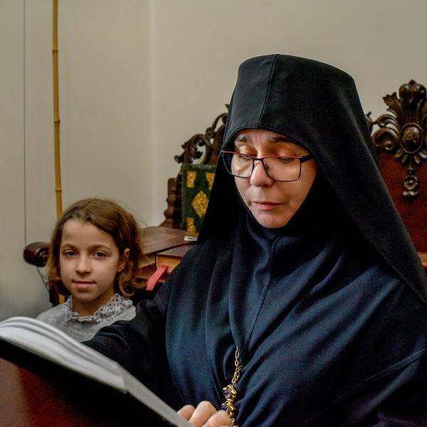abbess arseniy 0004 2