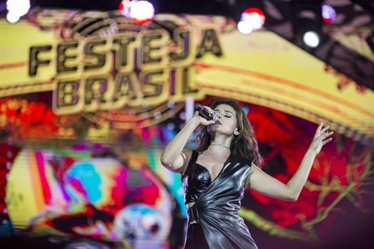 Paula Fernandes (Globo/Marília Cabral)