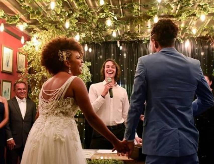 Jeniffer Nascimento e Jean Amorim se casam em cerimnia