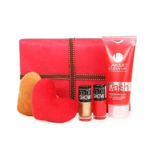Lakeme face wash Pack with heart 1999
