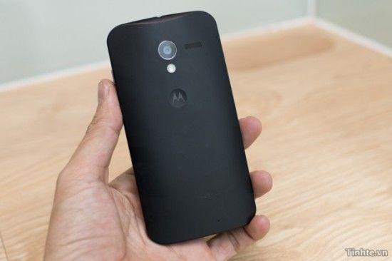 Smartphone Motorola Spate 630x420 550x366 Imagini neoficiale cu un telefon Motorola