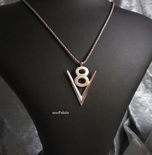 v8 necklace  v8 pendant  v8 pendentif  american muscle cars  car jewelry  arespalette 3
