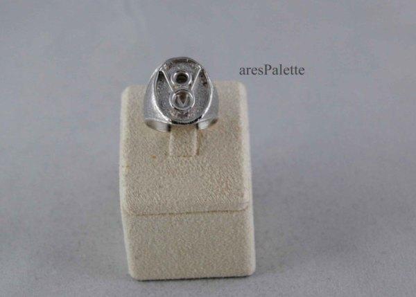v8 1 ring