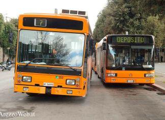 Autobus trasporti pubblici