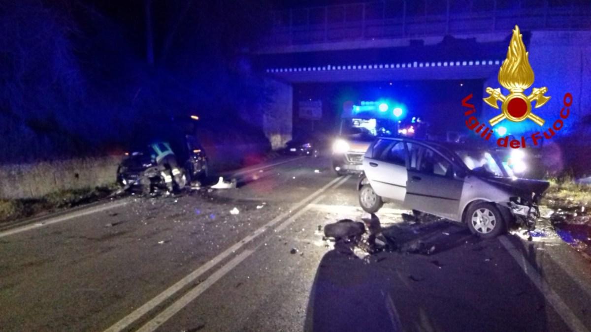 Scontro fra due auto a Capolona, muore 50enne