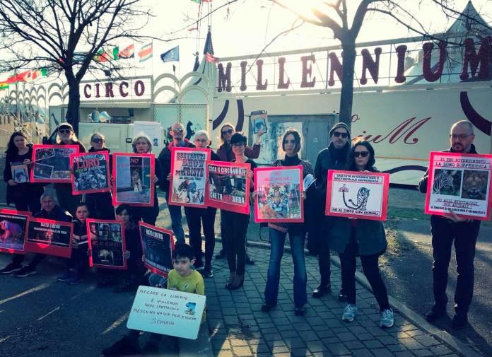 manifestazione contro il circo Millennium
