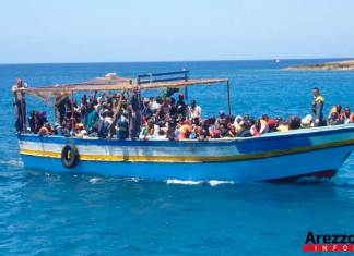 Sbarchi di profughi a Lampedusa (immagine di repertorio)