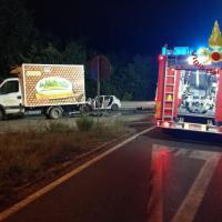 Frontale tra auto e furgone sulla Ss 73, due feriti