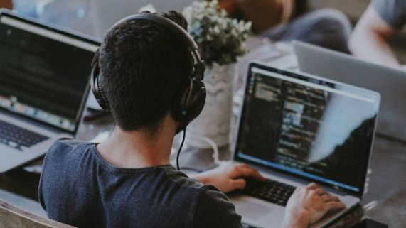 freelance-el-mercado-informal-compite-los-talentos