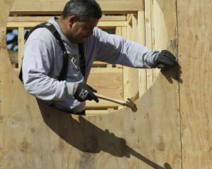 Potencia. La industria de la madera factura más de $ 1.300 millones anuales (AP).