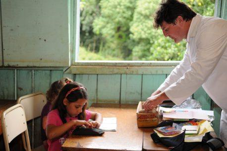 Los Niños, Niñas y Adolescentes a jugar y estudiar! (6)