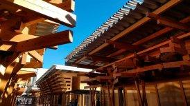 village-plaza-para-olimpicos-hecha-con-madera-que-sera-reutilizada2