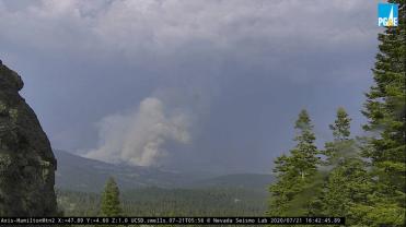 California Incendios Forestales Se Forma Tormenta de Humo
