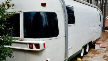 Painting A Vintage Camper with Topside