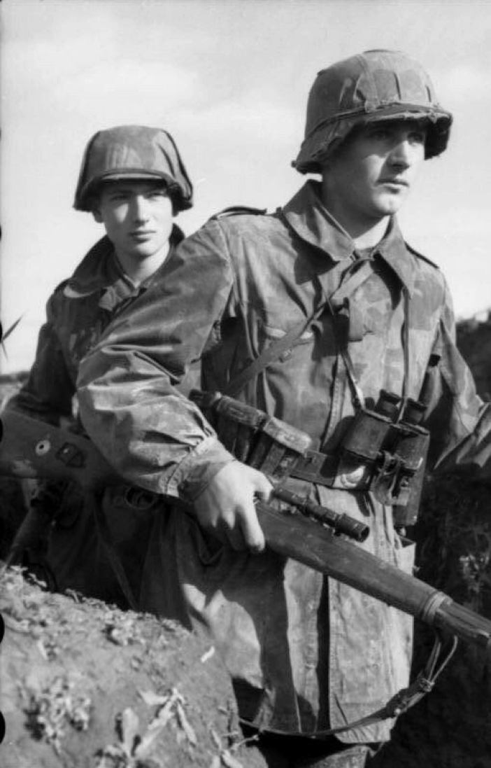 Luftwaffe Ground Forces, Soldier equipped with the K98k with Zielfernrohr ZF41