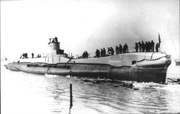 Quest for lost British Submarine HMS Triumph Argunners