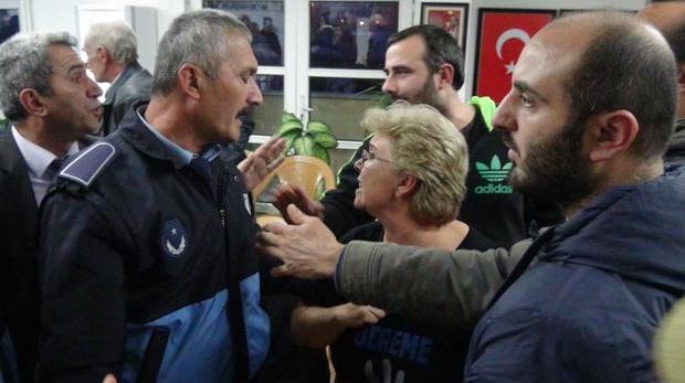 Arhavi Belediyesi İkinci Kez İmar Planını Onayladığı HES'in Önünü Açtı, Ortalık Karıştı