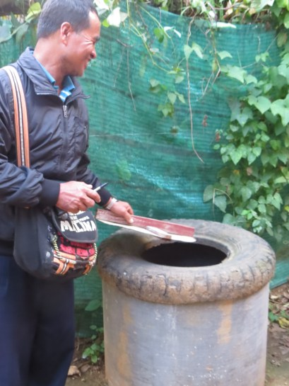 Compost bin constructed by Htilo with old tire