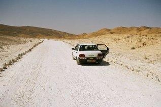 car_in_the_desert