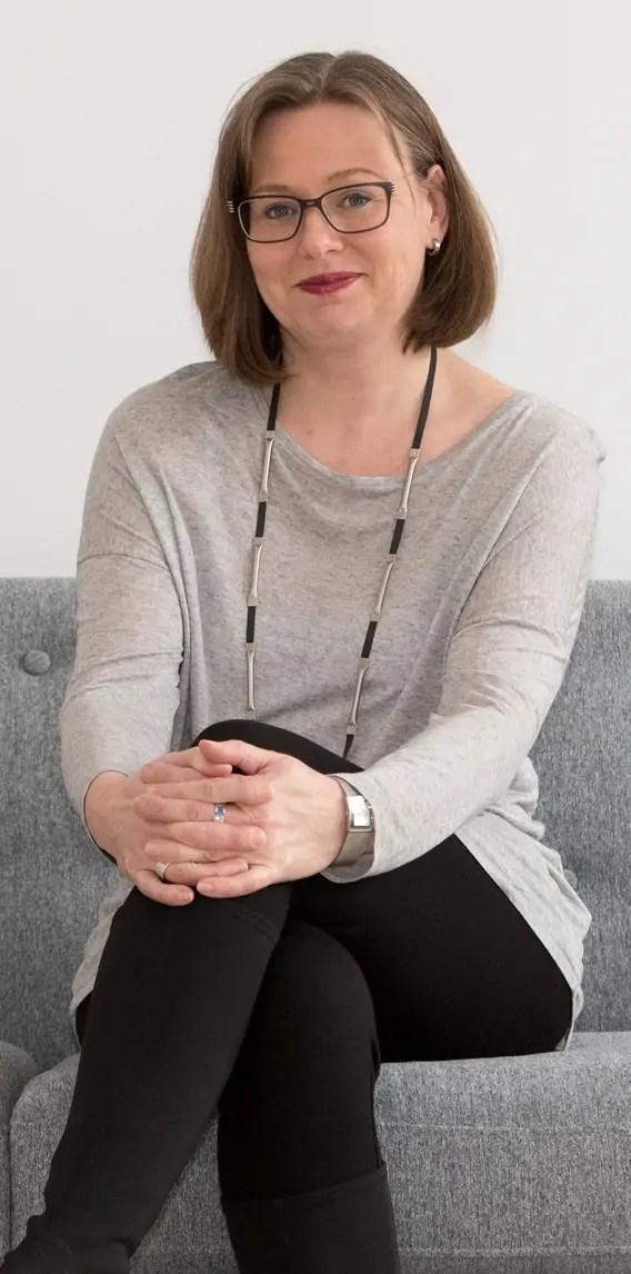 DI ( FH ) Ariane Broermann