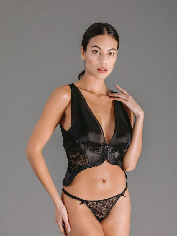 Thong-in-black-Chantilly-lace