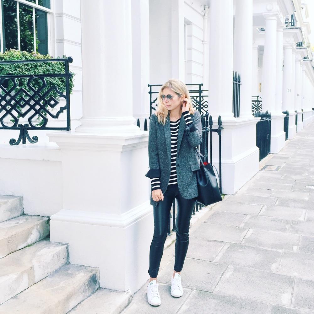 Arianna Trapani wears blazer boyfriend jacket from ZARA, Stripe jumper from ZARA, Leather leggings from ZARA, Adidas Stansmiths and Mansur Gavriel Bucket bag.